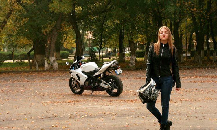 Motorkleding- kies ik voor leer of textiel?